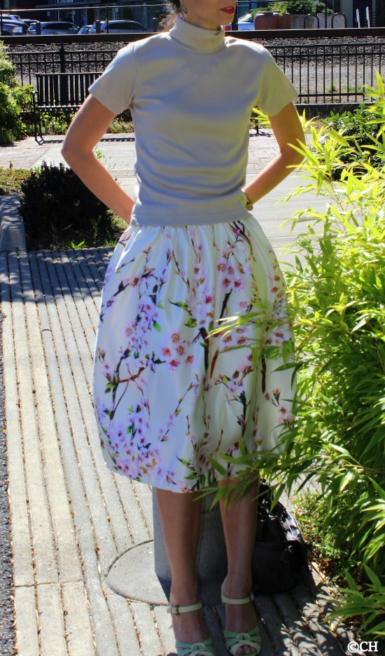 Blending in to the foilage in this wonderful spring blossom print skirt!