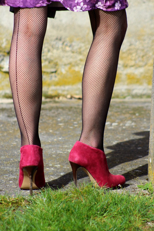 Fishnet tights + red booties